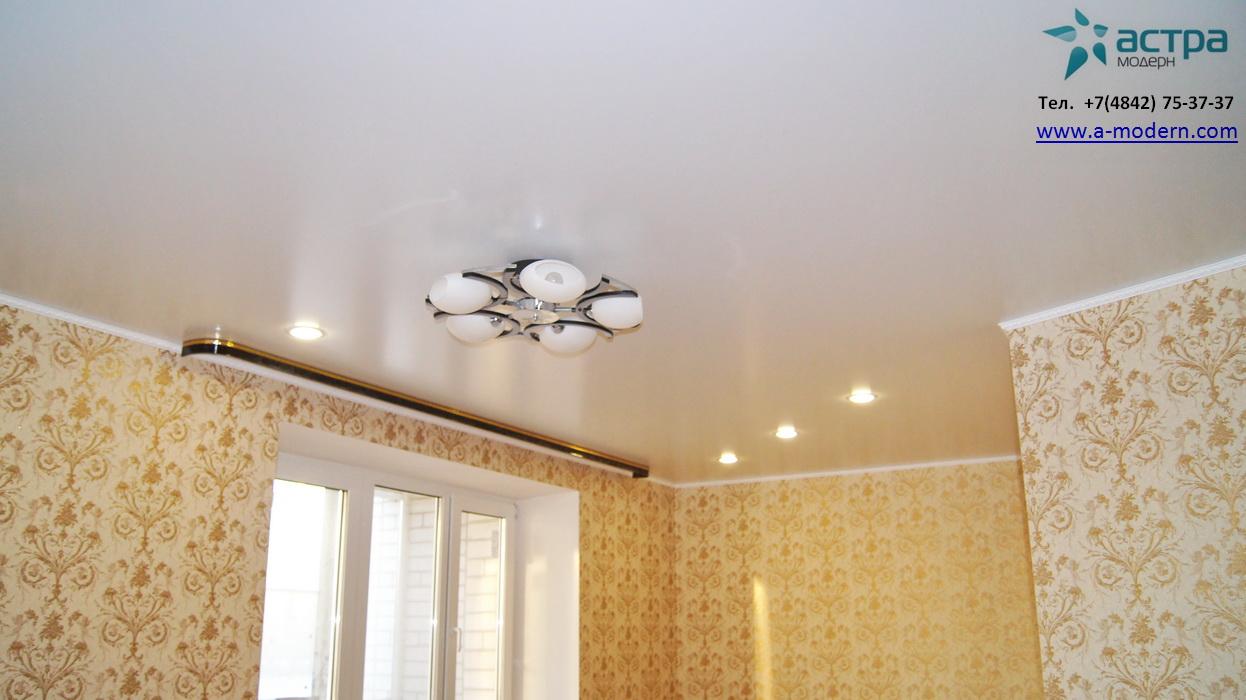 Белый сатиновый натяжной потолок калуга