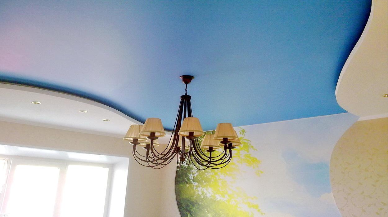 Синий сатиновый натяжной потолок