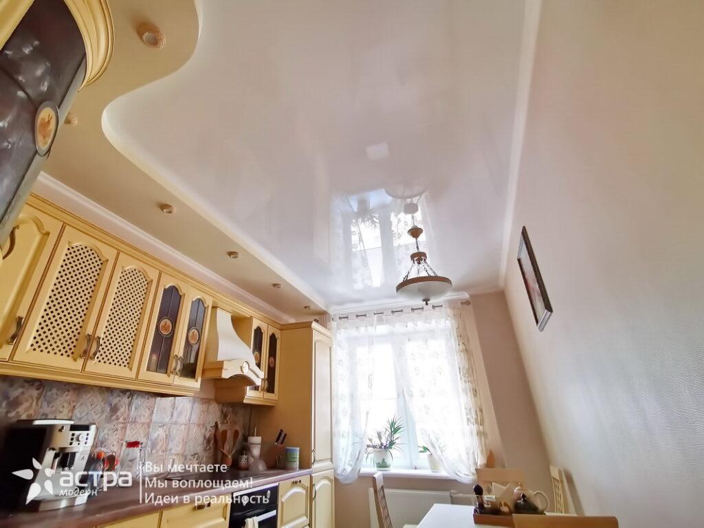 Натяжной потолок на кухне Калуга