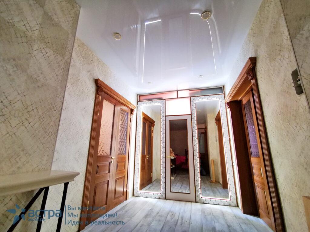 Глянцевый натяжной потолок калуга