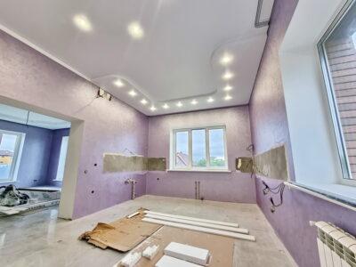 Многоуровневый натяжной потолок на кухне 1-1